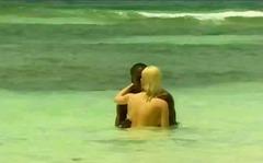 Porno: Zezake, Në Plazh, Bjondinat, Ndër Racore