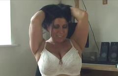 Porno: Böyük Döşlər, Xalaşka, Corablı