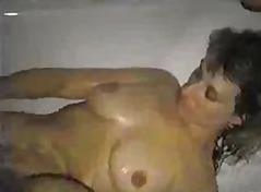 Porn: Մաստուրբացիա, Մեծ Կրծքեր