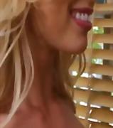 ポルノ: 美熟女, 褐色美人, 金髪, レスビアン