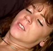 פורנו: גמירות, חזה גדול, הרדקור, ברונטיות