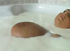 Porn: Մեծ Կրծքեր, Կաթ, Սևահեր, Բնական Կուրծք