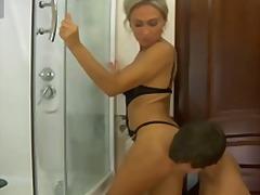 Porno: Rijpe Vrouw Valt Op Jonge Mannen, Rijp, Grote Borsten, Babe