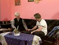 פורנו: סבתות, שעירות