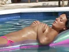 Porno: Çöldə, Kürən, Bikini, Masturbasya