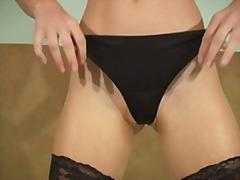 Pornići: Ženska Dominacija, Iz Ugla Kamere, Masturbacija
