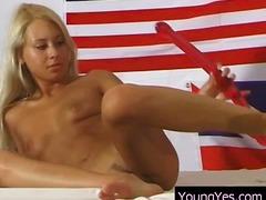 Porno: Masturbasya, Yeniyetmə, Dildo, Oyuncaq