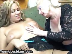 Porn: समलिंगी स्त्रियां, मुखमैथुन, मिल्फ़