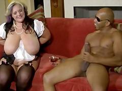 Porno: Bukuroshet Gjigante, Ndër Racore, Cicëmadhet