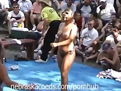 Porno: Alt Paltarı, Tursiqdə, Striptiz, Balıq Toru