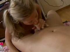 Porn: Globoko Grlo, Analno, Žensko Spodnje Perilo, Fafanje