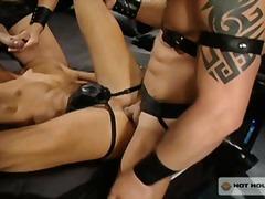 Phim sex: Súng Lớn, Chơi Nhóm, Lỗ Nhị