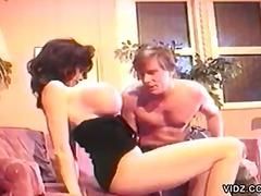 Porno: Brunette, Grote Borsten, Ouderwets