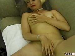 Porno: Singure, Sani Mici, Masturbari, Blonde