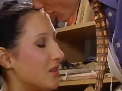 Porno: Cılız, Yaraşıqlı, Gözəl, Amcıq