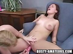 Porno: Grote Borsten, Seks Speeltje, Lesbisch