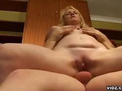 Porno: Balaca Döşlər, Ağır Sikişmə, Qırxılmış, Yaşlı