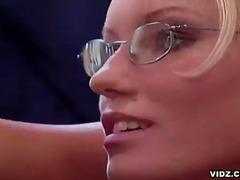 Lucah: Porno Hardcore, Hisap Konek, Rambut Blonde, Kaca Mata