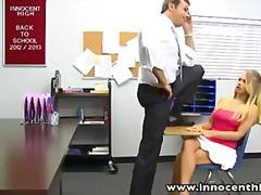 Pornići: Nastavnik, Plavuša, Škola, Tinejdžeri