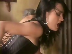 Porno: Dominantė, Straponas, Lesbietės