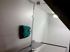 პორნო: თვალთვალი, ვიდეო კამერა, ქვედაკაბა