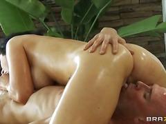 Porr: Massage, Brunett, Babe, Hårdporr