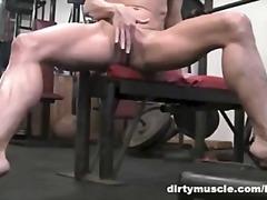 Porno: Sarışın, Masturbasya, Fitnes Mərkəzi