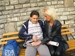 Porno: Spermos Šaudymas, Viešumoje, Ji Smauko