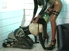 Porno: Lateks, Strapon, Lezbi