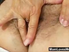 جنس: أمهات, مسنات, نكاح اليد, كس مشعر