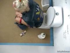 جنس: تجسس, فموى, تبول, كاميرا حية