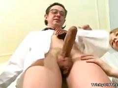 Porno: Tinejgjerkat, Zeshkanet, Threesome, Thithje