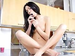Pornići: Male Sise, Oralni Seks
