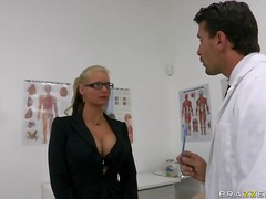 Porr: Hårdporr, Avsugning, Stora Bröst, Blond