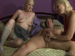 Mother shows daughter how to give some head to a hard rod