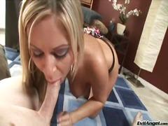 Porn: बड़े स्तन, देखने का तरीका, हलक में