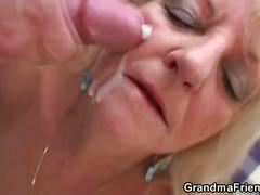 Porno: Vanaema, Suured Rinnad, Küps