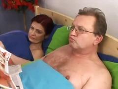 Porno: Yeniyetmə, Kişi, Yaşlı, Qrup