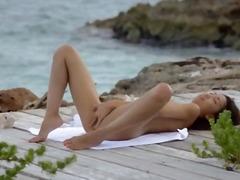 Porno: Çöldə, Asialı, Yeniyetmə, Masturbasya