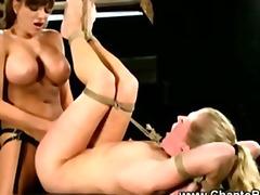 Porno: Femra Dominon, Dominimi, Fetish, Skllavizëm