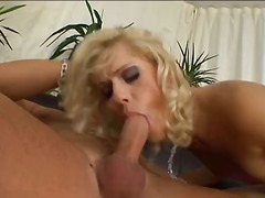 Curly blond hooker shagging