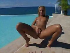 Porn: सुनहरे बाल वाली, चिकनी, गहरी चुदाई