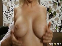 Porn: Požiranje, Obrazno, Globoko Grlo, Velike Prsi