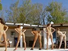 Porno: Striptiz, Lezbi, Qrup, Hovuz