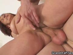 Porno: Babičky, Brunetky, Felace, Vyvrcholení