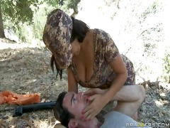 جنس: نهود كبيرة, إمناء على الوجه, قضيب كبير, مؤخرات