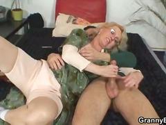 Porn: वीर्य निकालना, अधेड़ औरत, कामोत्तेजक