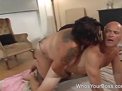 Porn: टैटू, गुलाम, बड़े स्तन, पुरुष