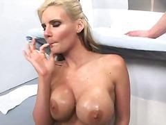 Porno: Cicëmadhet, Derdhja E Spermës, Kari I Madh, Thell Në Fyt