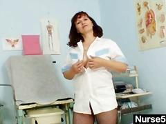 Porn: अधेड़ औरत, नायलान, लाल सिर वाला